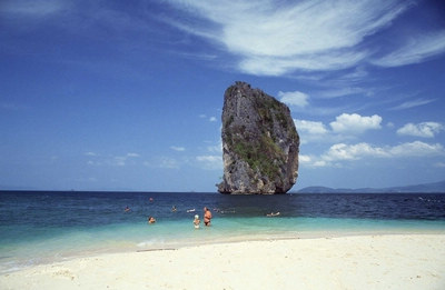 Z:普吉岛、大小PP岛、蓝钻珊瑚岛、攀牙湾007岛、人妖秀六天四晚悠享游