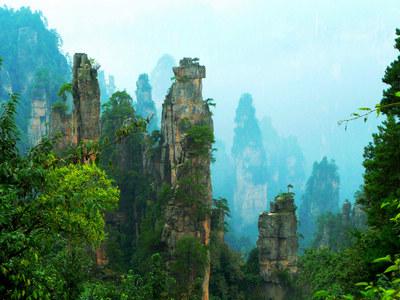 G2线:亚洲第一洞—九天洞、张家界国家森林公园四天高铁纯玩团