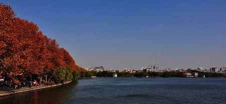 【悠游江南】上海-杭州-苏州-乌镇西栅+西湖VIP包船+明珠塔自助餐至尊5日游