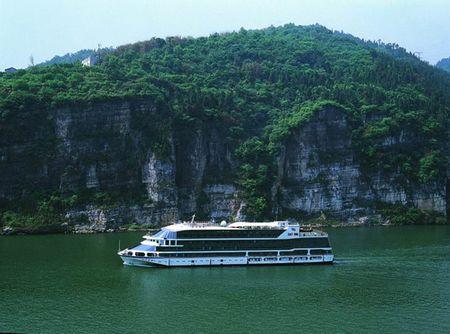 【世纪-上水】:宜昌-长江三峡全景游-重庆 高铁+飞机五天纯玩贵宾团
