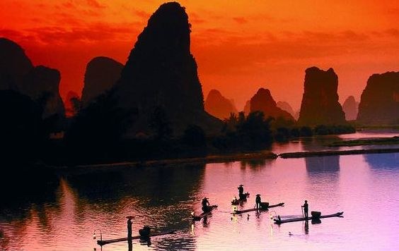 V线--桂林•阳朔•银子岩 大漓江外宾船•印象刘三姐四天全景纯玩高铁团