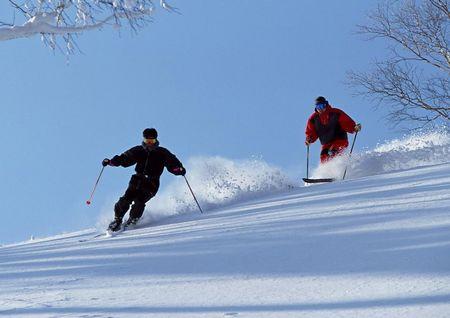 韩国首尔南怡岛爱宝乐园三八线阳智滑雪场尊享五日游