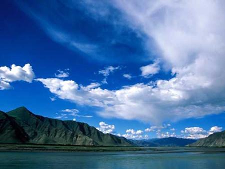B4:西宁金银摊大草原、青海湖、拉萨、纳木错、林芝错木三飞一卧十日游