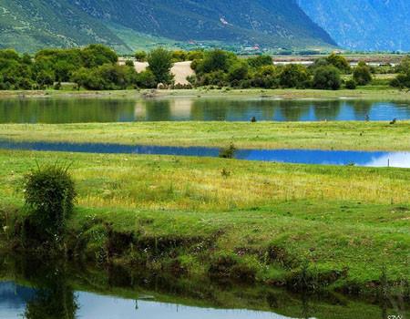 深圳、拉萨、羊湖、林芝大峡谷双飞六日游