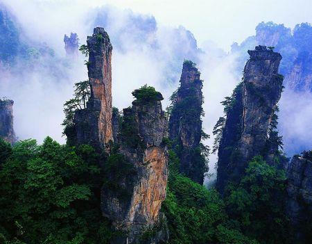 国庆—C5:凤凰古城•浪漫凤凰古城•矮寨峡谷悬索玻璃桥单凤凰3天休闲游