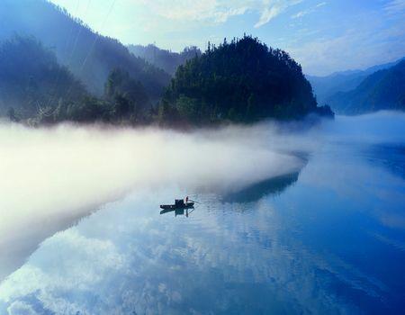 V2:[仙山圣湖韵温泉]莽山枫叶•森林温泉•东江湖•五星酒店•温泉高铁三天