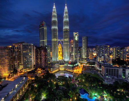 Z;【全国独家首发】文莱+马来西亚•黄金海岸水上屋•云顶娱乐城•品质六天游