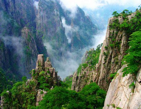 D1豪华黄山、飘雪温泉、国画宏村、千年南屏五天双飞亲子团