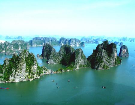 越南首都•河内风情、世界自然奇观•下龙湾、越式黄包车特色体验.高铁五天