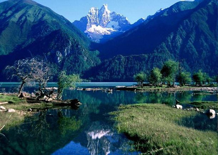B6: 深圳、西宁、拉萨、纳木措、羊湖、日喀则三飞一卧七日游