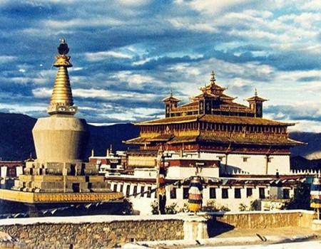 探密西藏全景深度游深圳、拉萨、纳木措、林芝大峡谷、苯日神山、日喀则双飞九日游