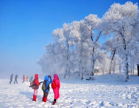 X:D线:吉林雾凇、朝鲜民俗村、长白山北坡景区、温泉、滑雪、万达小镇雪乐园双飞5天游