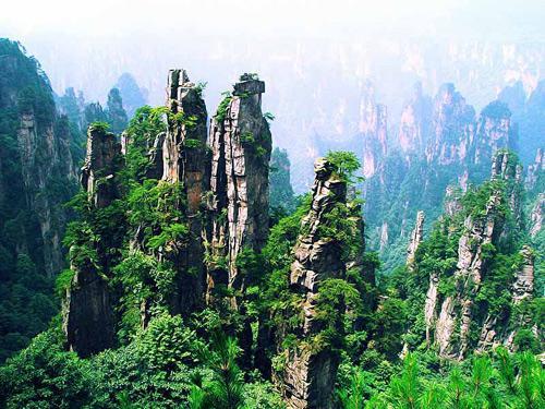 Y:湖南+酉阳--天门山玻璃栈道.大峡谷玻璃桥.酉阳桃花源.浪漫凤凰古城单飞单高铁五日游