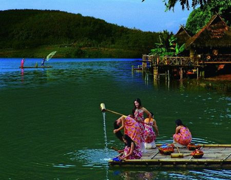 丽江泸沽湖五天双飞纯玩慢生活之旅