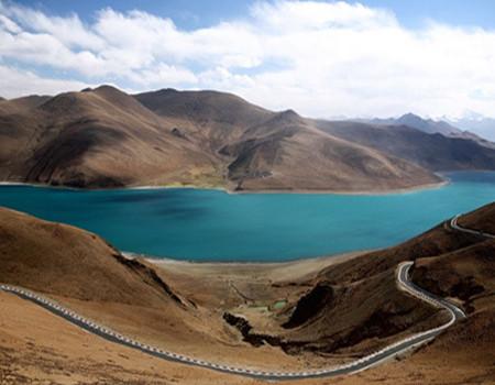 B2:深圳、西宁、拉萨、林芝大峡谷、羊湖、日喀则、纳木措三飞一卧10日游