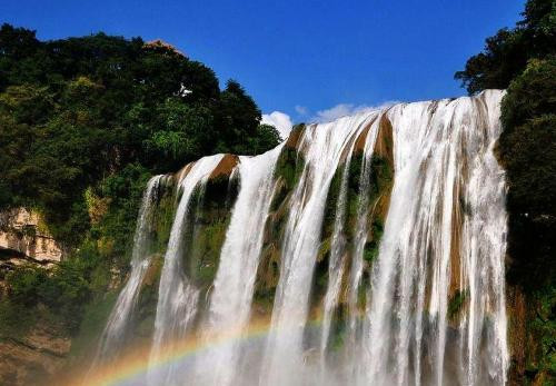 D线:黄果树、西江、马岭河、万峰林、万峰湖、苗博馆5天