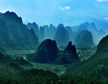 M-入住奇洞温泉度假小镇—<奇洞温泉+梦幻水城>、英西峰林〈十里画廊〉、峰林胜景2天