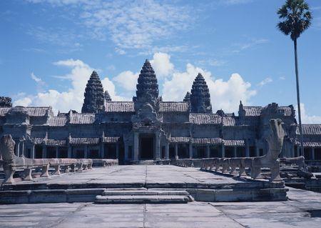 XY-柬埔寨·金边西哈努克国王皇宫·洞里萨湖大小吴哥窟·巴肯山日落·塔普伦寺·古皇宫六天深度团
