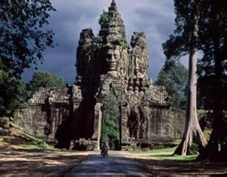X:柬埔寨·金边西哈努克国王皇宫·大小吴哥窟·巴肯山日落·古皇宫六天深度团(深圳往返)