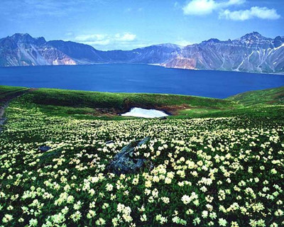 XB-A1:新疆伊犁花海.赛里木湖.库尔勒.塔克拉玛干沙漠.吐鲁番.天山天池双飞八日环游