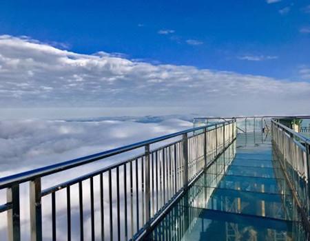 连州地下河、金子山冰挂广东最高玻璃桥两天团