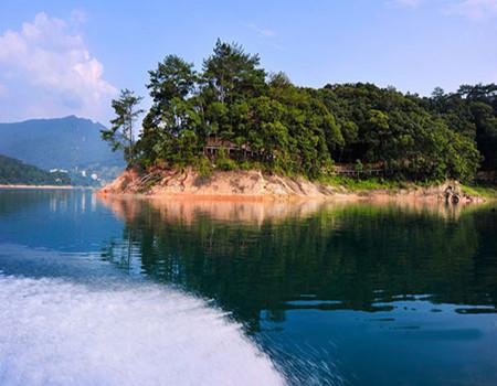 T;增城天南第一梯白水寨、香溪堡入住大观园温泉2日游